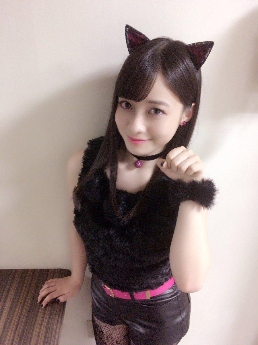 RT @H_KANNA_0203: ロート製薬 リップケア製品の新CMに出演させて頂いてます💋 今回はリップ&アイ💓 「黒猫カンナ飼ってくれる人ー?😆」にゃー🙋 橋本環奈 #世界猫の日 #黒猫カンナ #LIPBABY_CRAYON https://t.co/PdLBiXyIkt