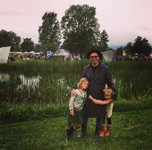 Илья Лагутенко показал собственных дочерей