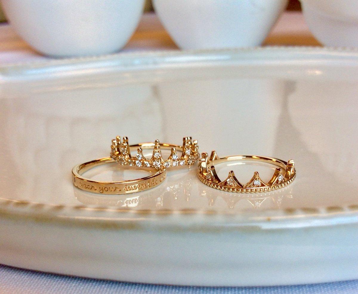 """""""Always wear your invisible crown"""" 誰もがいつも目には見えないクラウンを頭にのせている。下を向いたら落ちてしまうから、あなたらしく前を向いて。 クラシカルな中にモダンな雰囲気が漂うクラウンシリーズ https://t.co/4VcSdQghhl"""