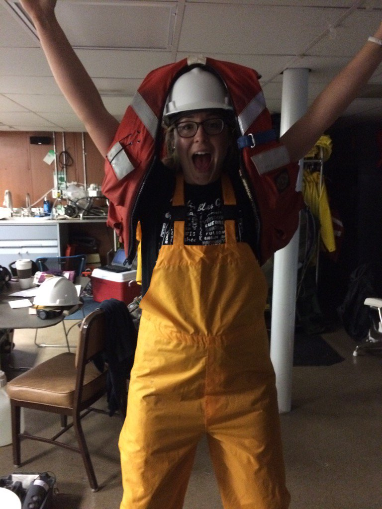 If you want to help with benthos, you've got to put your party pants on #SummerSurvey2016 @akneubauer https://t.co/t3MFSgJkh1