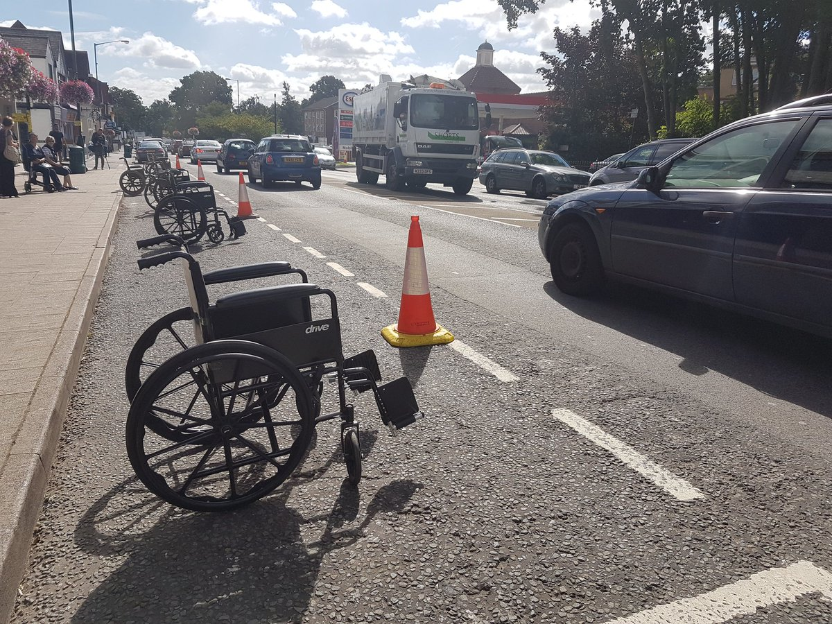Raising awareness about parking space abuse in Ascot. 1 in 5 blue spaces aren't used properly. Think before you park https://t.co/MppRD8WbGf