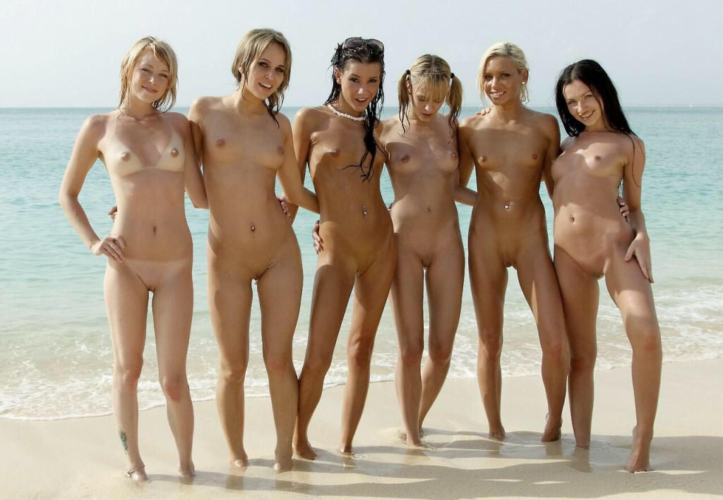 Nudegirl beach