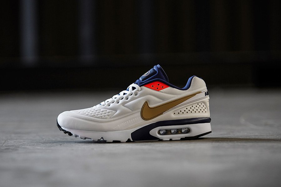 the sole supplier on twitter nike air max bw ultra olympic just rh twitter com nike air max bw ultra se white olympic