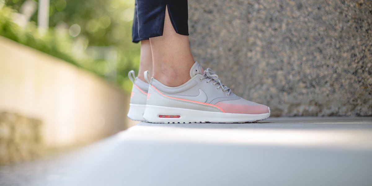 5a22a51962 NEW IN! Nike Wmns Air Max Thea Ultra - Lt Iron Ore/Light Bone-Atomic Pink  SHOP HERE: http://bit.ly/2aFyDo4 pic.twitter.com/iJjk93HDKB