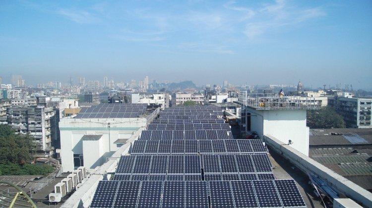 India #Solar Rooftop Market Set to Grow at 60% Till 2021 https://t.co/QtXbUg7fXr https://t.co/w7U834fWUf