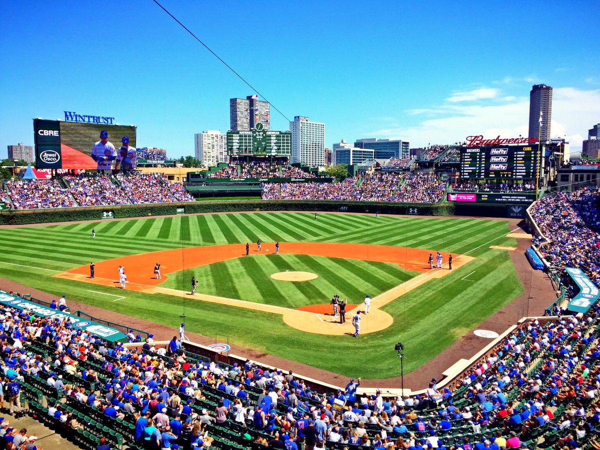 Absolute gorgeous #Chicago afternoon for @Cubs baseball at Wrigley Field. ⚾️