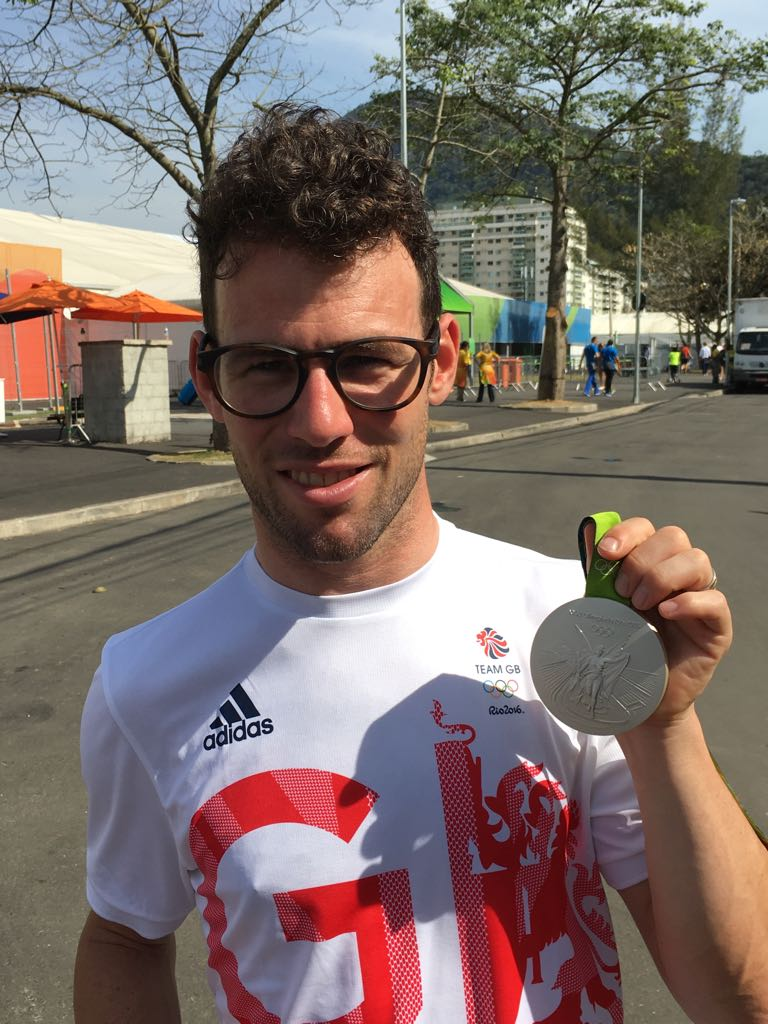 Super happy I got my #Olympics #Silver. Thank you to the incredible team of people I have and your support. #Rio2016 https://t.co/JIpxUqhf5N