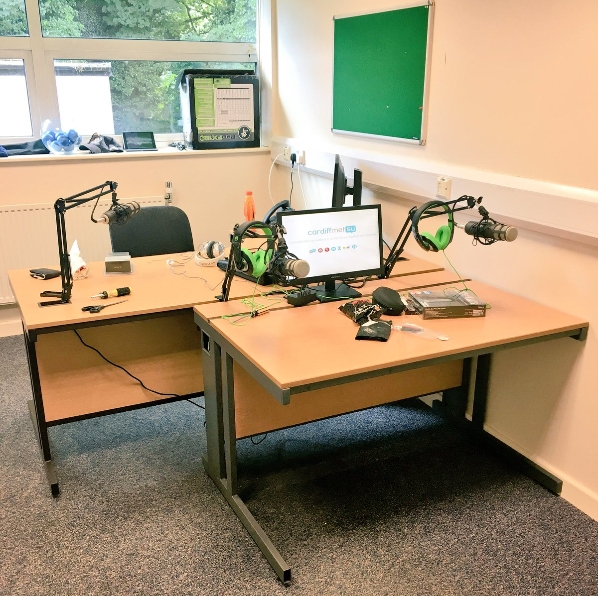Equipment going in at Llandaff for our brand new Cardiff Met SU radio station! Want to get involved? Message us! https://t.co/5TUwauLYhT