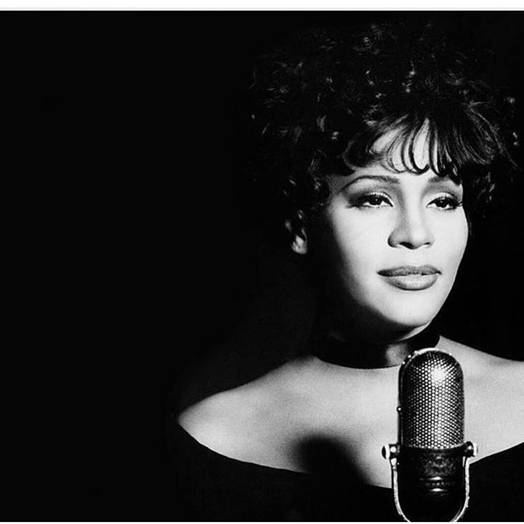Happy birthday to a queen...I love you Whitney! https://t.co/dX9utyJiNs