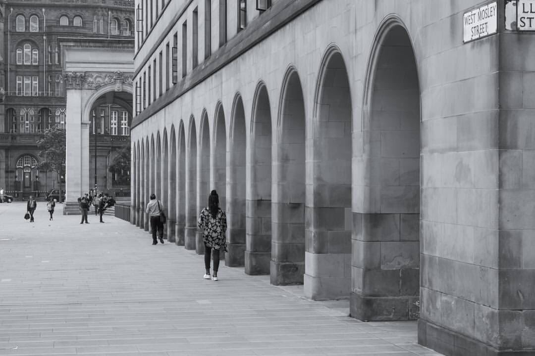 Manchester central library arches #IRPhotographyPosse #fotografia #city #bnwphotography #bnw_city #bnw #manchester  - FestivalFocus