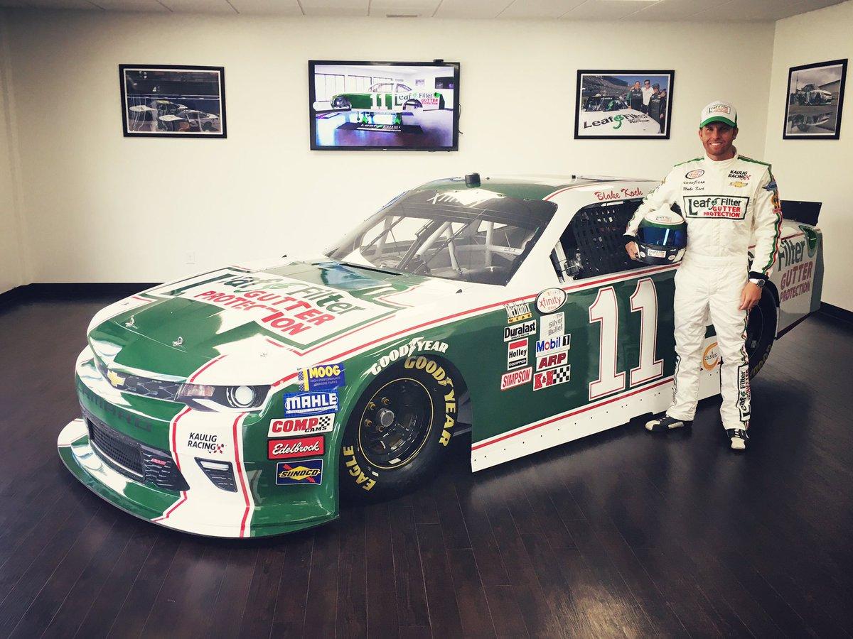 What do you think guys? #NASCARthrowback https://t.co/VPu7OX8k1j