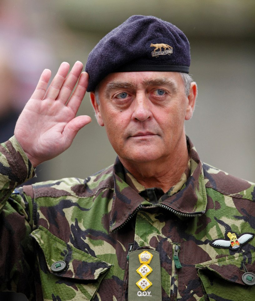 The Duke of Westminster dies aged 64. Thank you for your long and distinguished military career Sir. Rest In Peace. https://t.co/zDVV5KEl9v