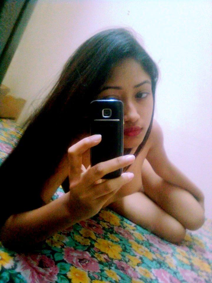 Nude Selfie 7688