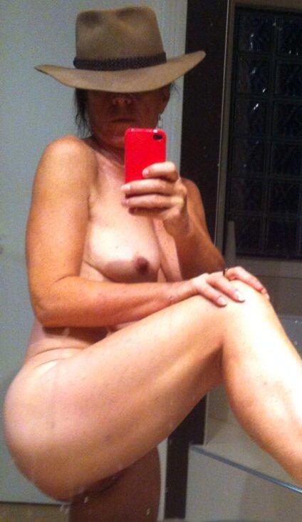 Nude Selfie 7696