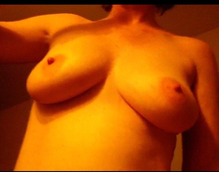 Nude Selfie 7680