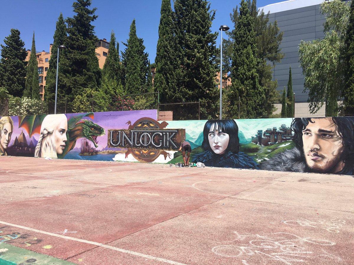 Los graffiteros de mi barrio no pueden molar más... @JuegoDeTronosTM #GameofThrones https://t.co/5c4FYOWLfX