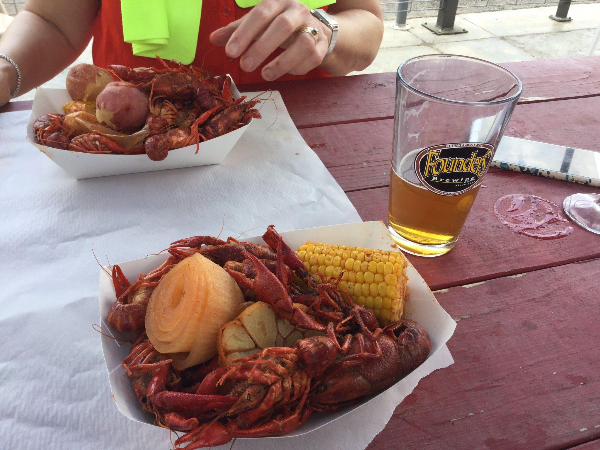 No photo of fish tacos, I'm afraid. How about a crawfish boil?  #PresbyIntersect https://t.co/0DImBLo1DU