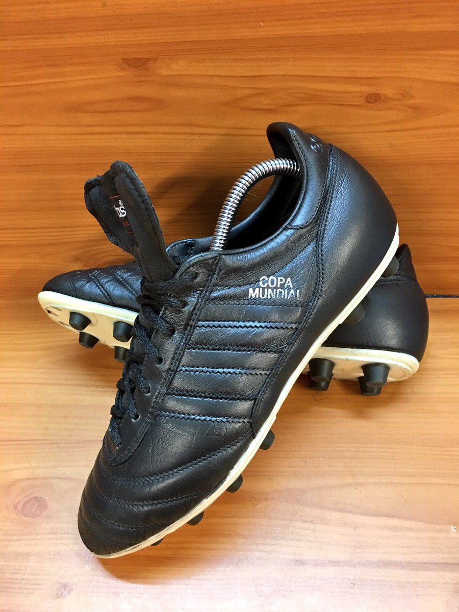 adidas copa mundial blackout uk