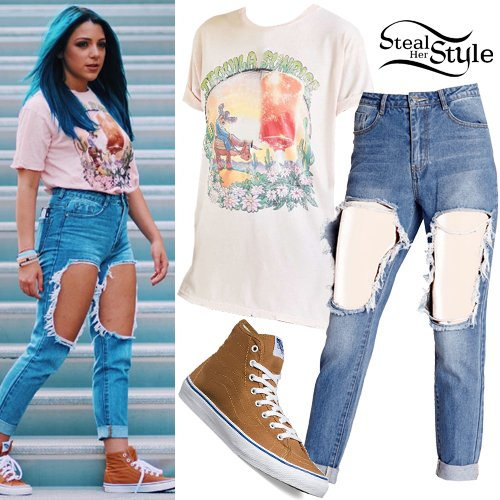 "Steal Her Style on Twitter: ""Niki DeMartino: Graphic Tee ..."