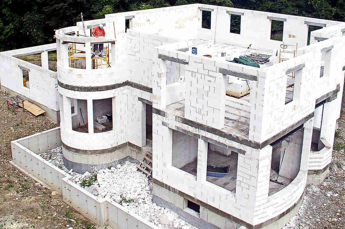 стоит ли строить дом из газоблока
