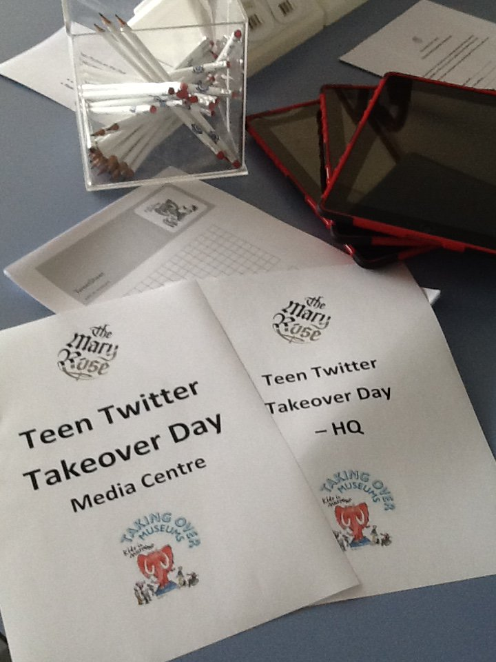 All ready to go!  #TakeoverDay,  @kidsinmuseums @MaryRoseLearn https://t.co/fQsqXwmalN