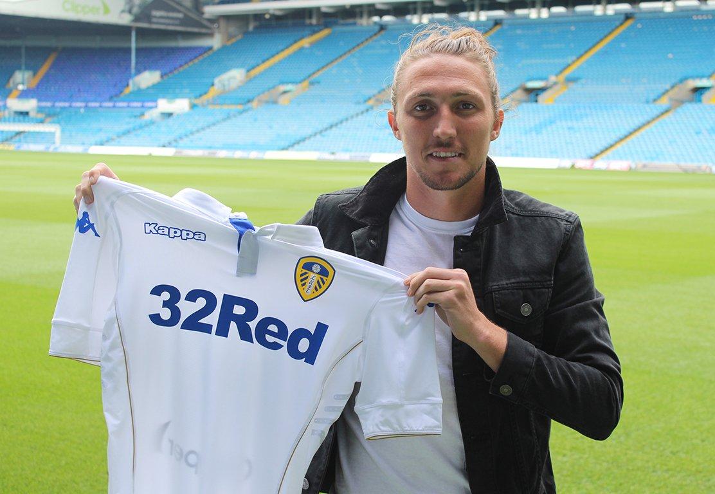 Ayling klar för Leeds