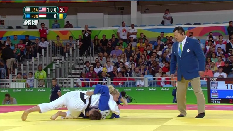 Kayla Harrison WINS quarter-final match against Joo of Hungary with ippon by pin! Kayla moves to the semi-finals! https://t.co/rzTxkEb1xj