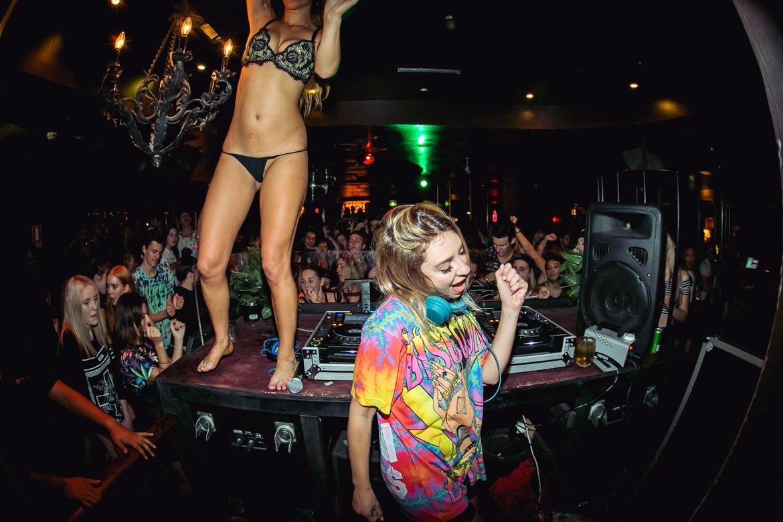 run How strip clubs to