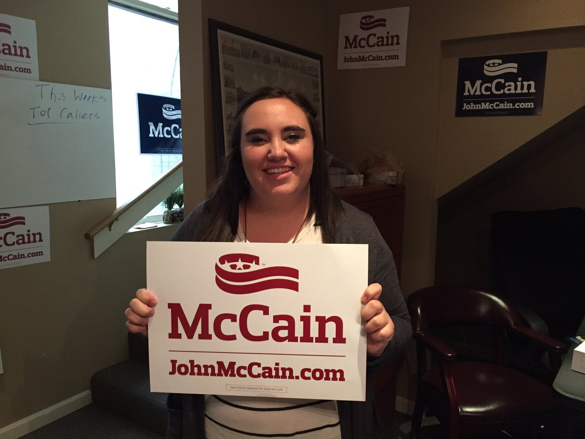 Wanted to welcome our newest Prescott intern Gracie! Welcome to @TeamMcCain! #AZSen https://t.co/4AP0plvDXc