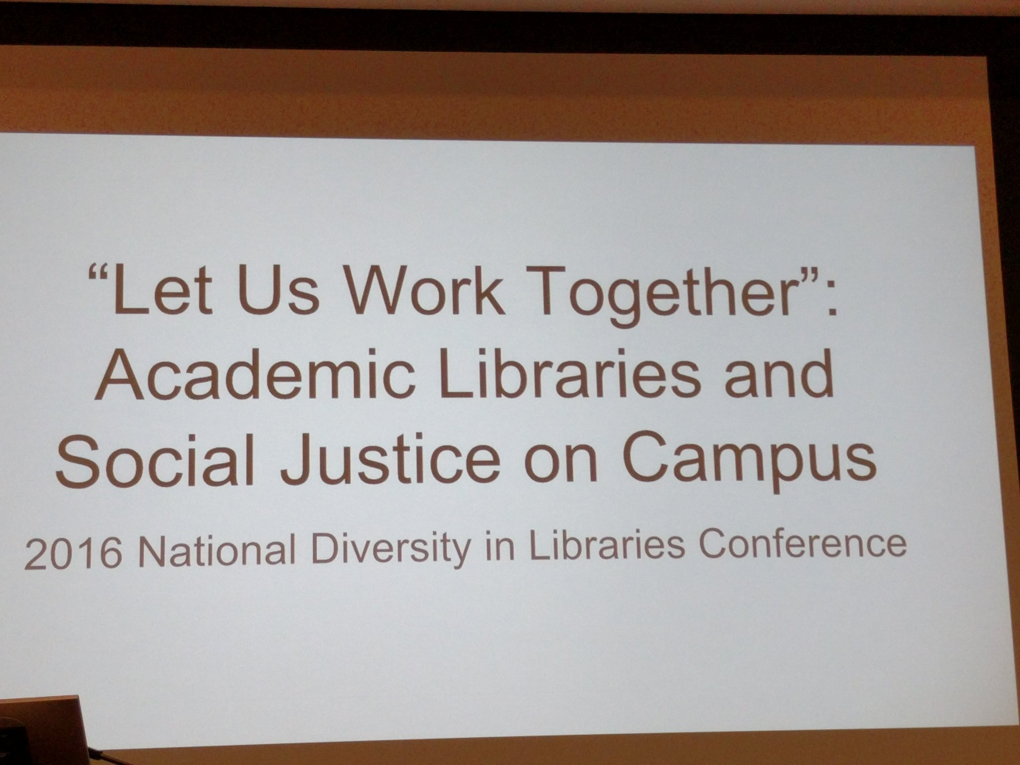First concurrent session, no artificial barriers for students, librarians, scholar activists, #solidarity. #NDLC16 https://t.co/qmH55QKCIn