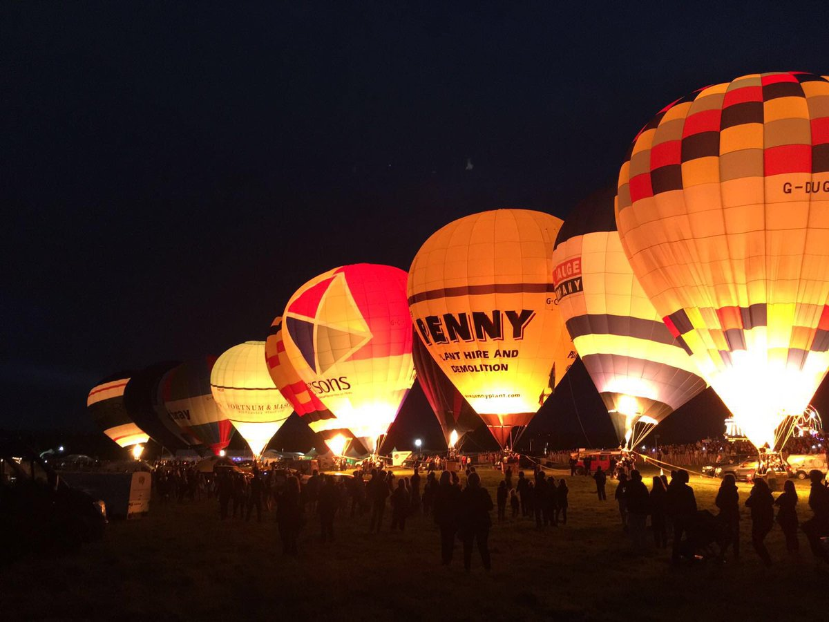Bristol is glowing and looking stunning for #NightGlow tonight #BalloonFiesta