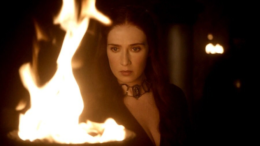 Melisandre sees & hears things in flames. She has also used blood magic to work magic. Using ONLY the blood of kings https://t.co/GqZkUmEsEh