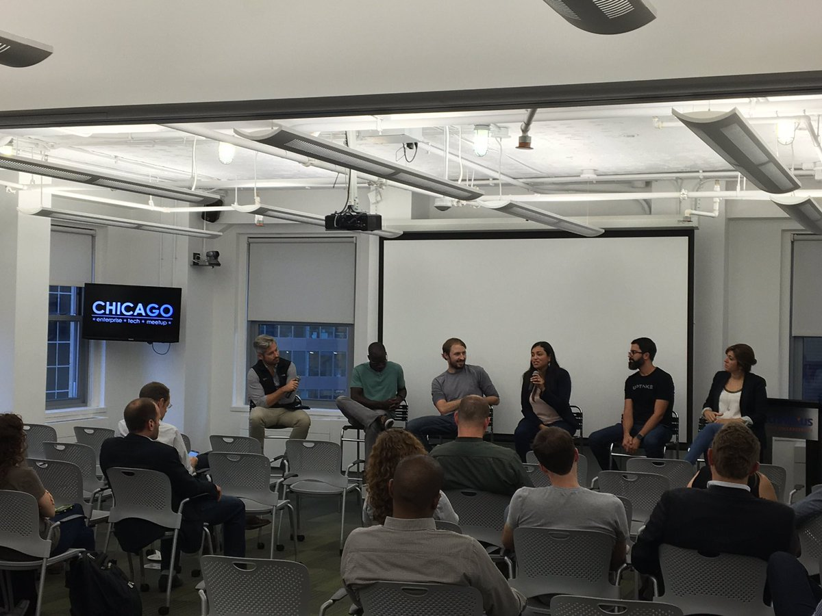 Great turnout tonight at @ChicagoETM w/ @Rick_Zullo @c7five @tjbladez @AyoJimoh @rociosecurity and Monica Carranza https://t.co/dnpFAztx4h