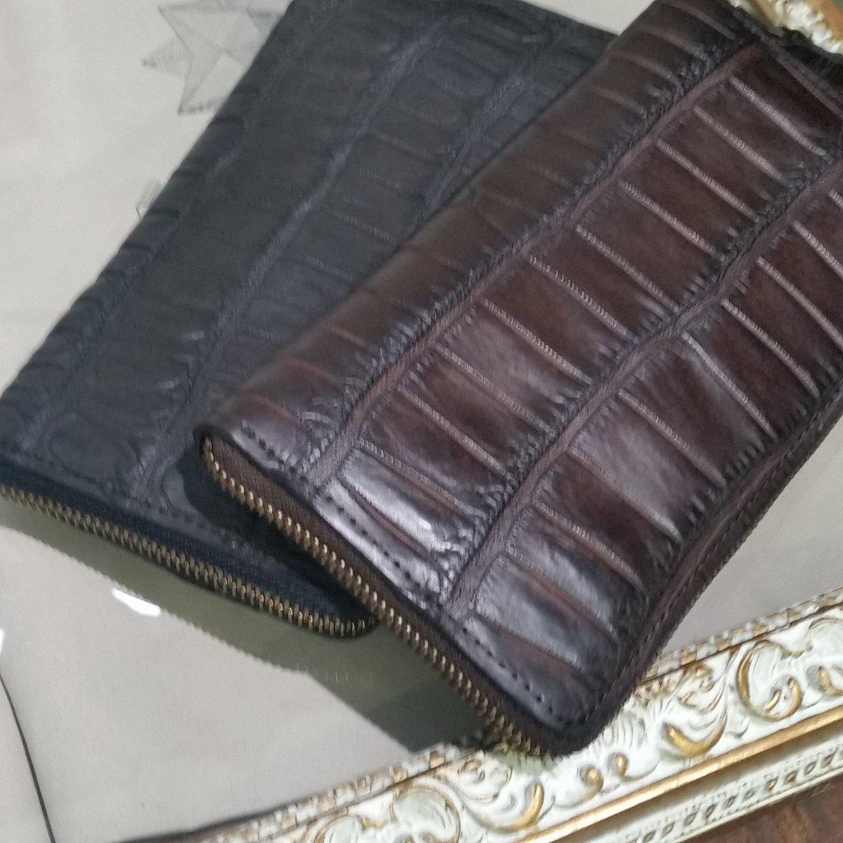 5325099471f1 完売していましたCHRISTIAN PEAUクロコダイル長財布が届きました! カラー展開は一番人気のダークブランとブラックです。 ...