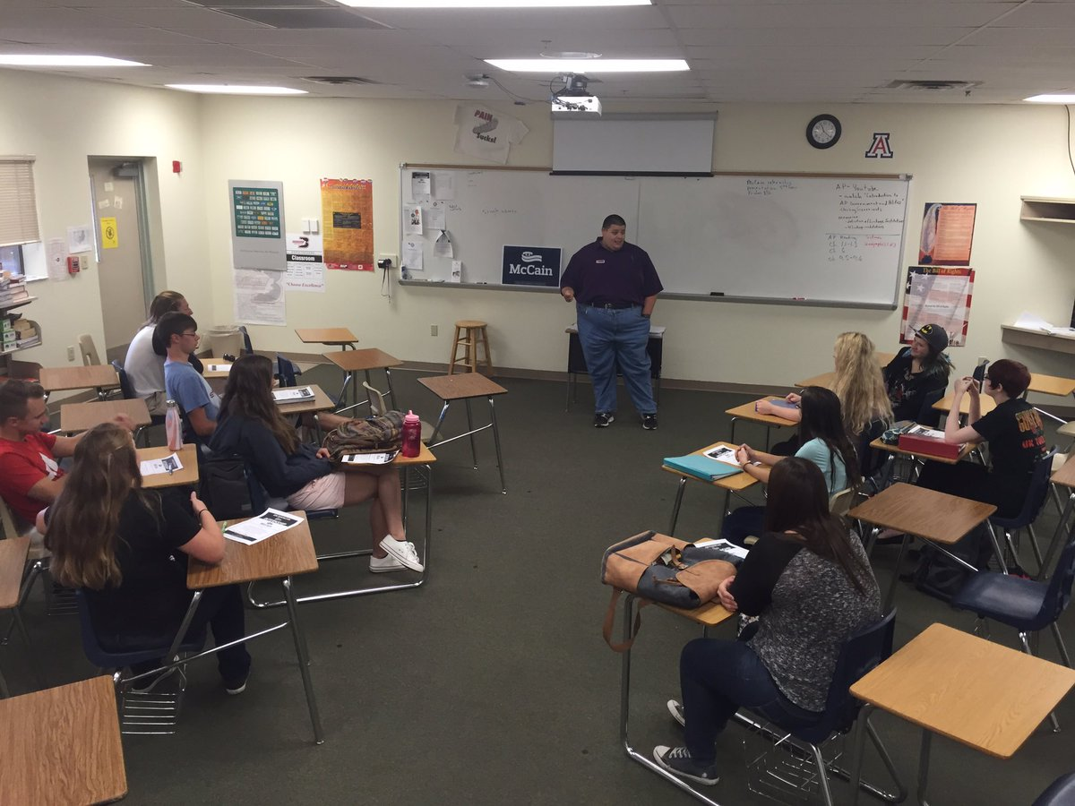 Spoke this morning to Bradshaw Mountain High School's AP Gov. Class about McCain Internship opportunities. #AZSen https://t.co/MtJic4YfVB