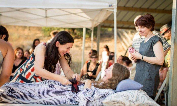 Americana faz festa de 'renascimento' com amigos antes de eutanásia. #Sociedade https://t.co/N9nnzxq64g