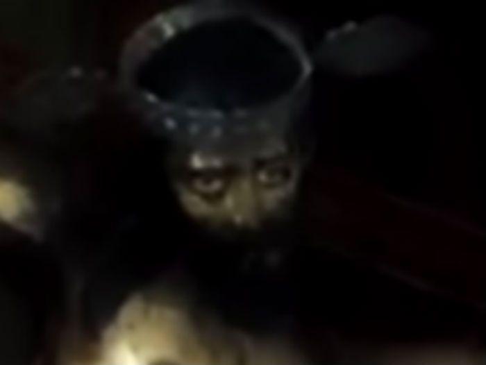 Video Statua di Gesù apre gli occhi in una Chiesa in Messico
