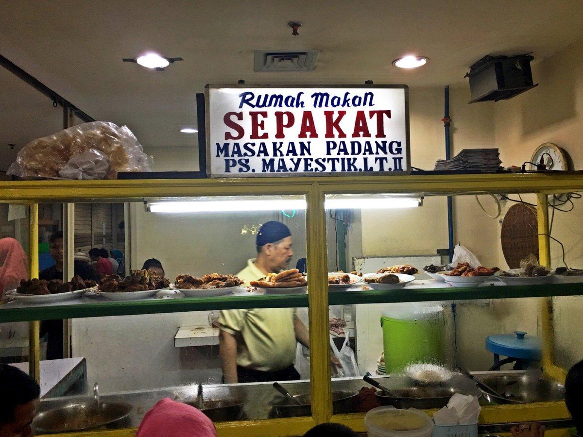 10 Restoran Tua Legendaris di Jakarta