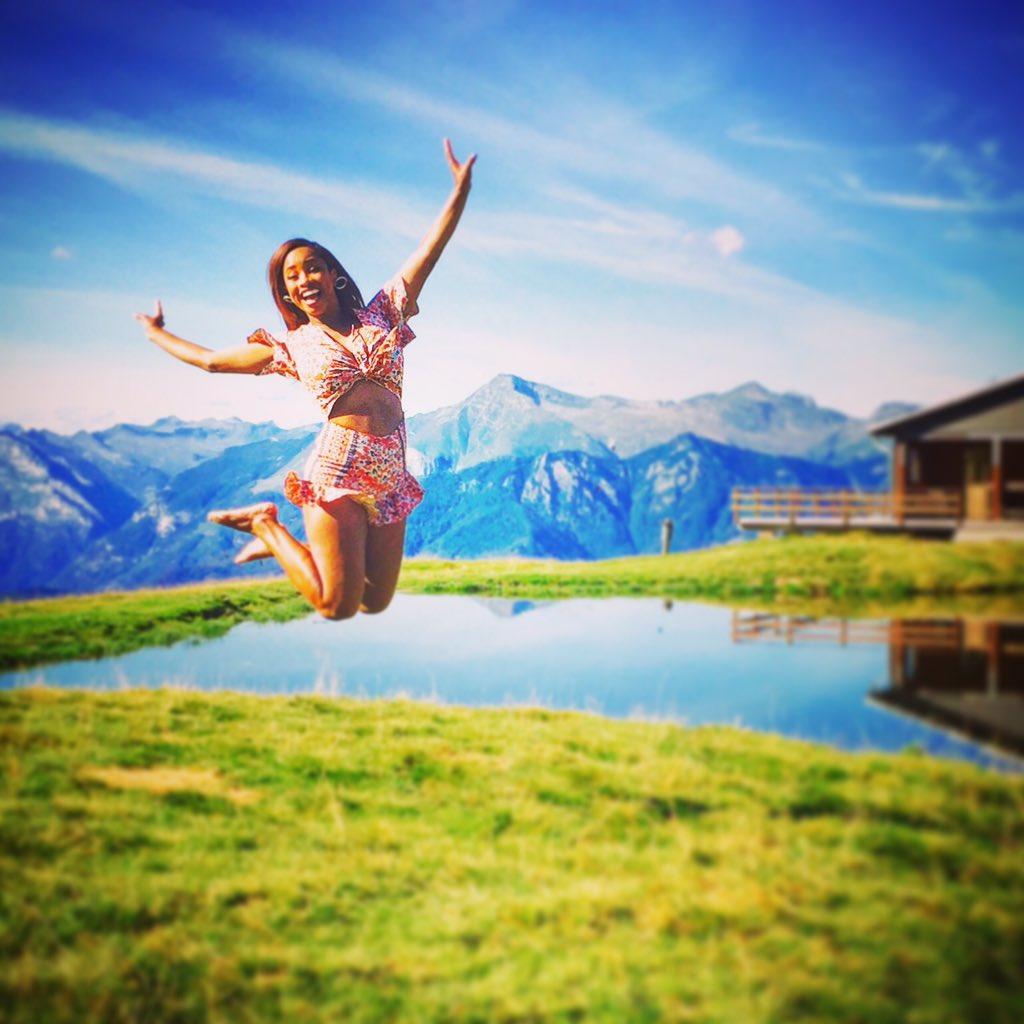 Chloe trillmonger on twitter greetings from switzerland jump 949 am 13 aug 2016 m4hsunfo