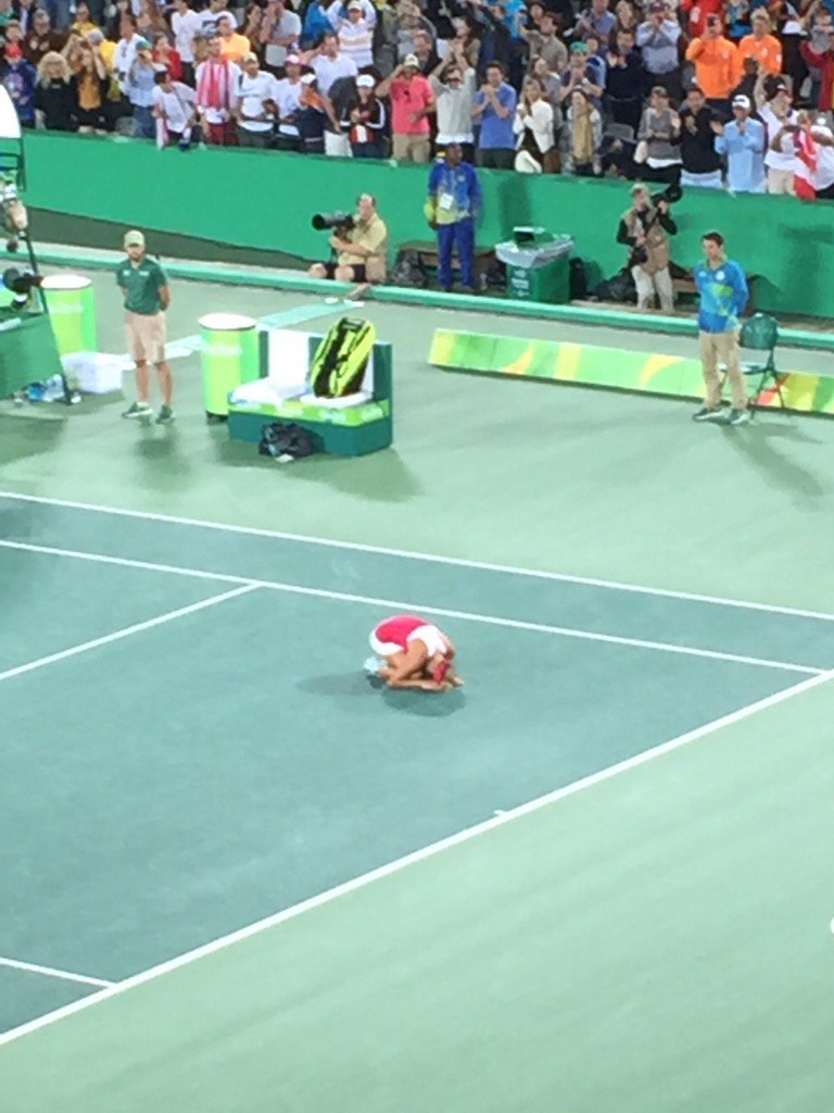 Just saw Monica Puig win Puerto Rico's first ever gold medal. Overcome! https://t.co/awSFFP9eIG