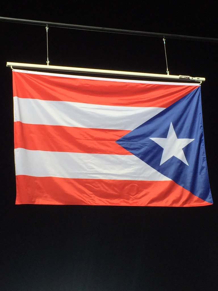 Just behind the Puerto Rican flag as it is raised and then anthem played for the first time ever, for tennis gold. https://t.co/XCagycxN6s