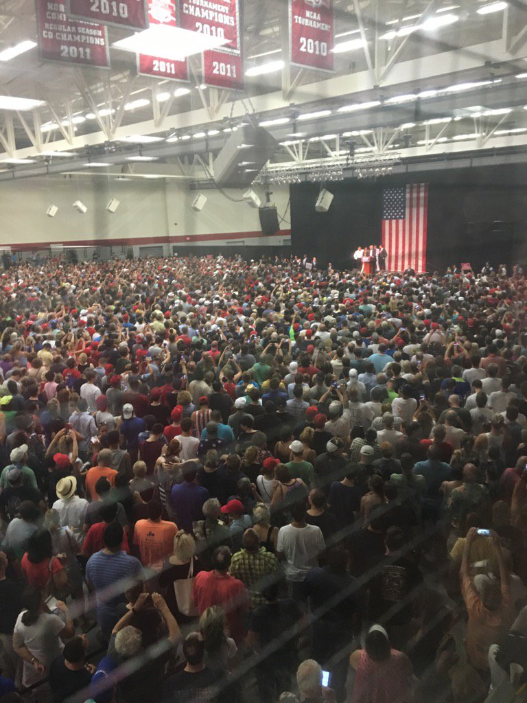 Tonight @realDonaldTrump @sacredheartuniv   Enough said. We are going to win. https://t.co/vZIiWTQsgt