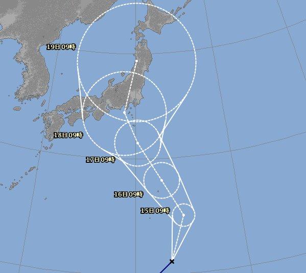 台風7号が週中頃に接近の恐れ。比較的めずらしいコースなので、前代未聞の現象が起こる可能性もあり、注意が必要……。 https://t.co/MuSk3bqIR9