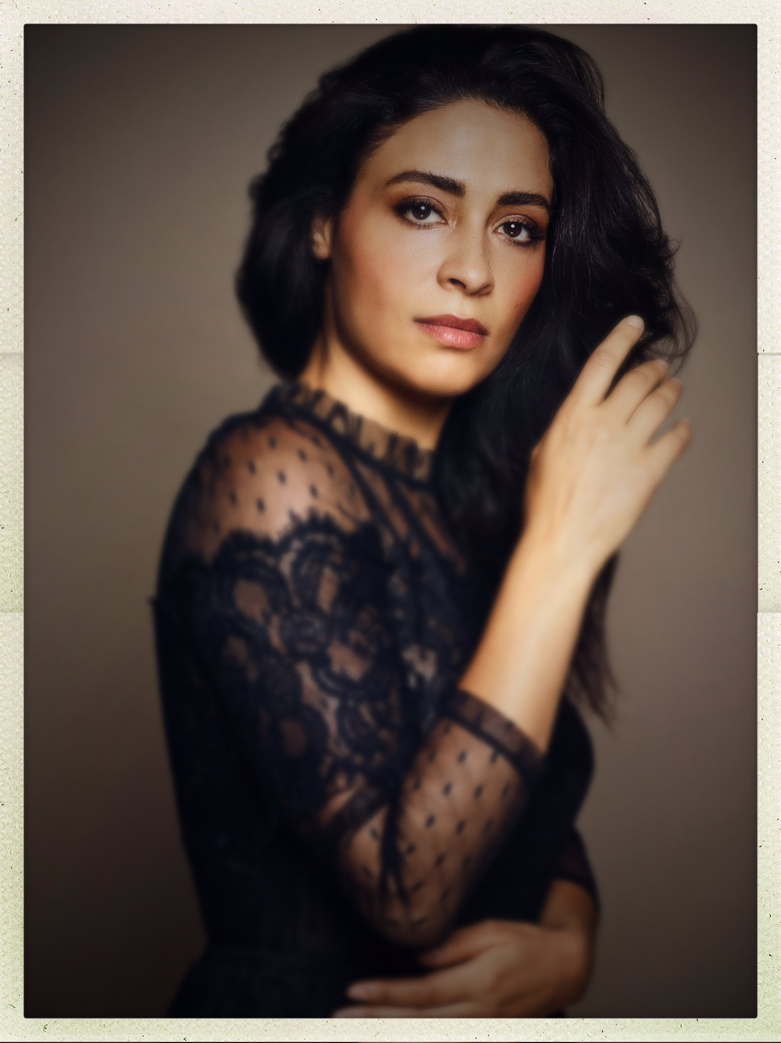 Yasmine Al Massri  nackt