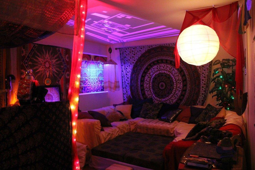 Trippy Rooms (@TrippiestRooms)