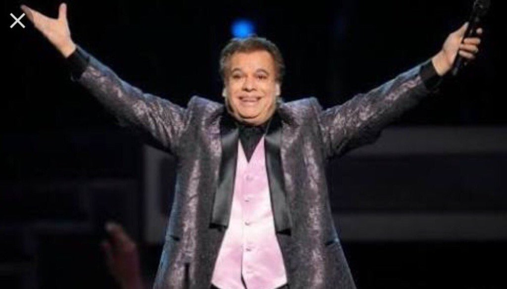 One of the most prolific and beloved Mexican composers and artists has died: JUAN GABRIEL. #itstheendofanera  RIP https://t.co/lbxc8cuTrH