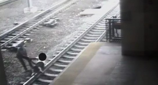 Hero NJ Transit cop saves man seconds before train would've run him over