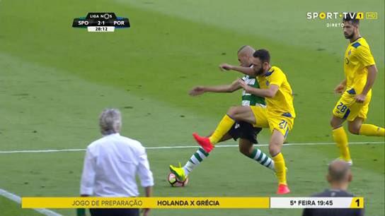 .@Sporting_CP Ganharam mas ficaram com dor de cotovelo,tantas as vezes que o usaram para agredir os nossos jogadores