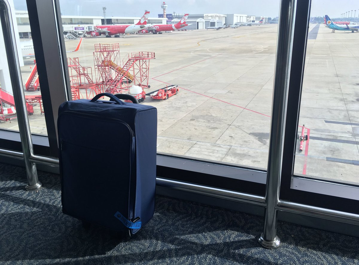 This RM59 Ikea luggage function as good as RM259 luggage. Not to mention collapsible. I love savings like these. https://t.co/PJGpQNnBYA