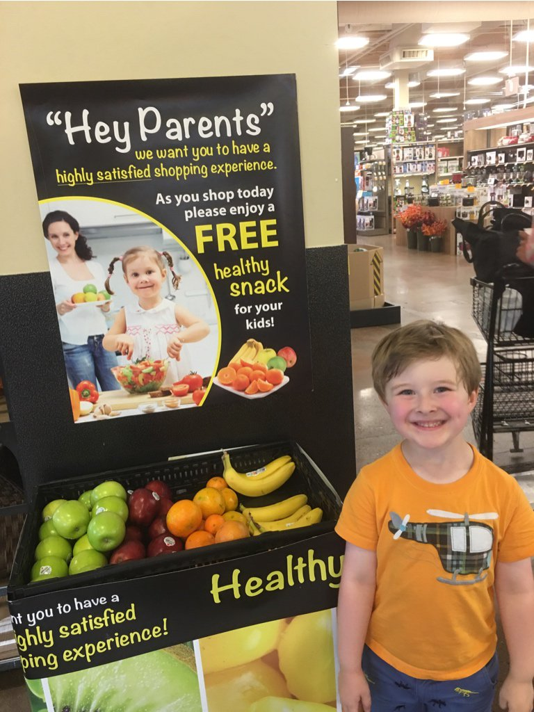 Dear @Fred_Meyer you guys did really good with the kids eating healthy campaign! You have a new fan! #eathealthy https://t.co/0Sts2ditgy